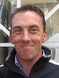 Dean Izzard